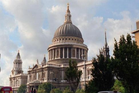St. Paul's Cathedral & Tower of London Tour with Cruise